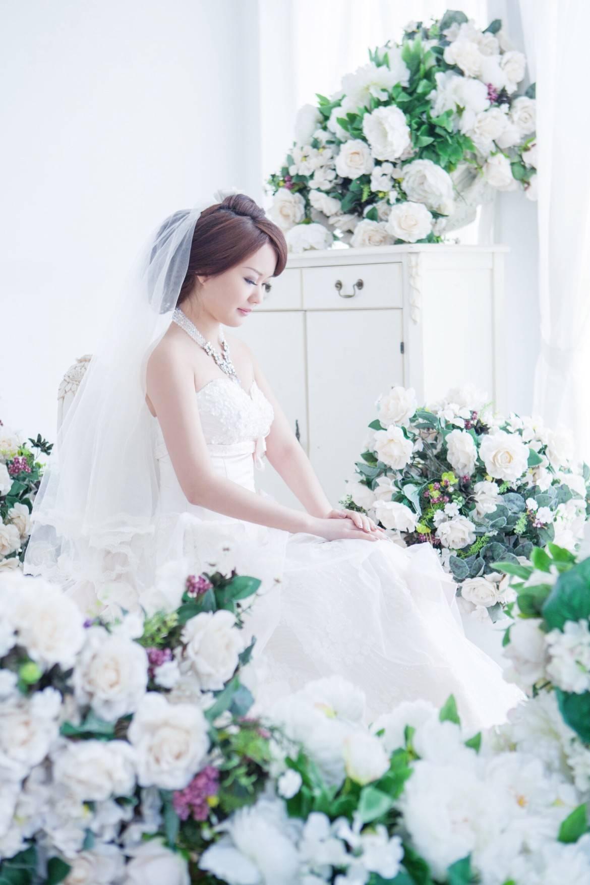 Bluebay Wedding: Pre-Wedding Photoshoot in Taiwan - Aldora Muses
